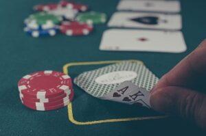 AA och pokermarker